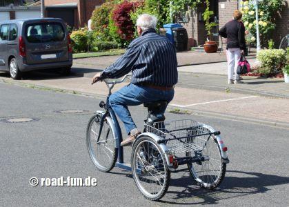 Dreirad fahren lernen