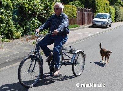 Dreirad fahren lernen 07