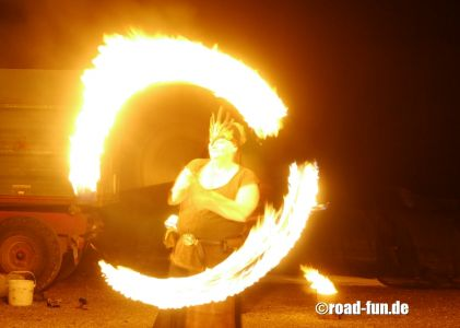 Feuershow Vor Der Haustuer #03