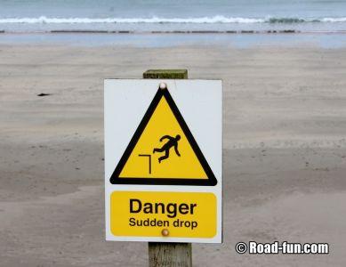 Gefahrenschild Schottland - sudden Drop
