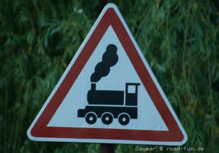 Gefahrenschild Ukraine - unbeschrankter Bahnuebergang (10)