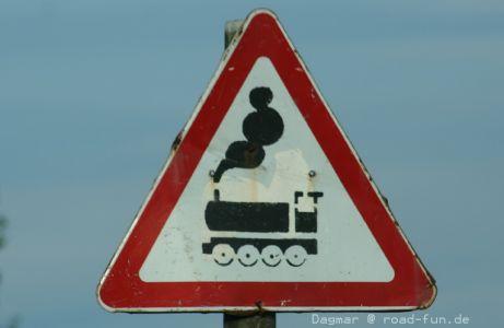 Gefahrenschild Ukraine - unbeschrankter Bahnuebergang (1)