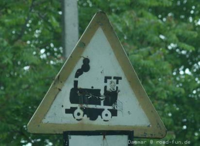 Gefahrenschild Ukraine - unbeschrankter Bahnuebergang (4)