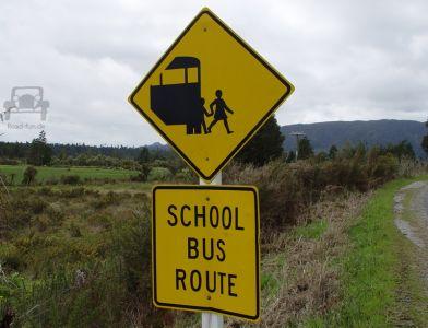 Gefahrenschild In Neuseeland (33)