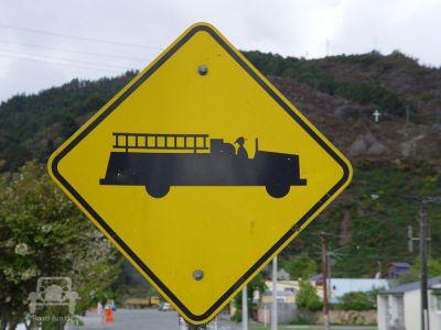 Gefahrenschild In Neuseeland (34)