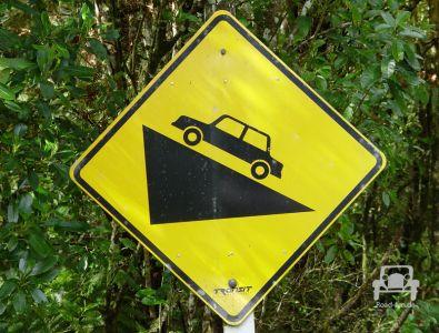 Gefahrenschild In Neuseeland (35)
