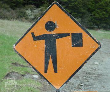 Gefahrenschild In Neuseeland (4)