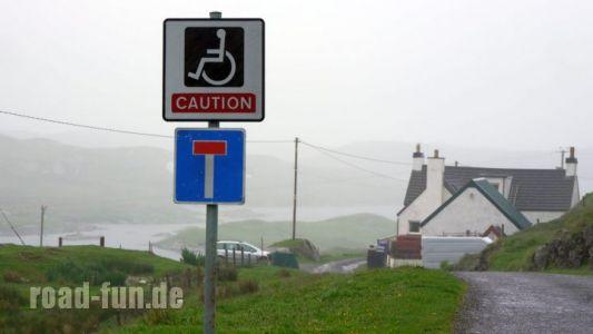 Gefahrenschild outer Hebrides - Rollstuhlfahrer
