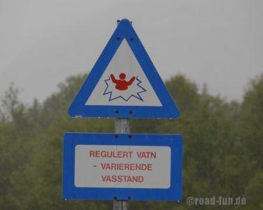 Gefahrenschild Norwegen - Verwendung im Bereich von Stauseen