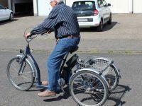 Dreirad fahren lernen 02