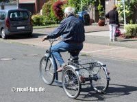 Dreirad fahren lernen 04